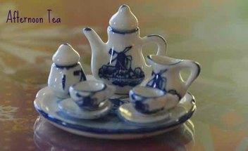 Miniature Delftware pottery tea set